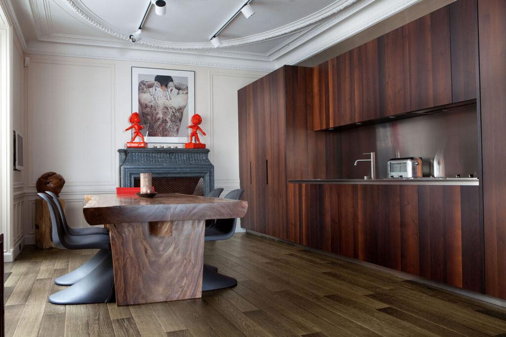 Oscarono Artwork - Collection Classics - Finish Rocher Brun - Private Apartment