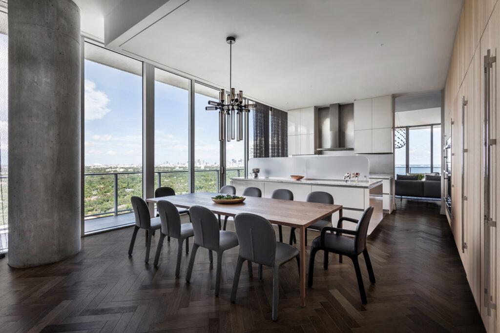Oscarono - Bogoak - Collection Classics - Finish Brun Marais- Project Private Appartment - Designer Andrea Chicharo