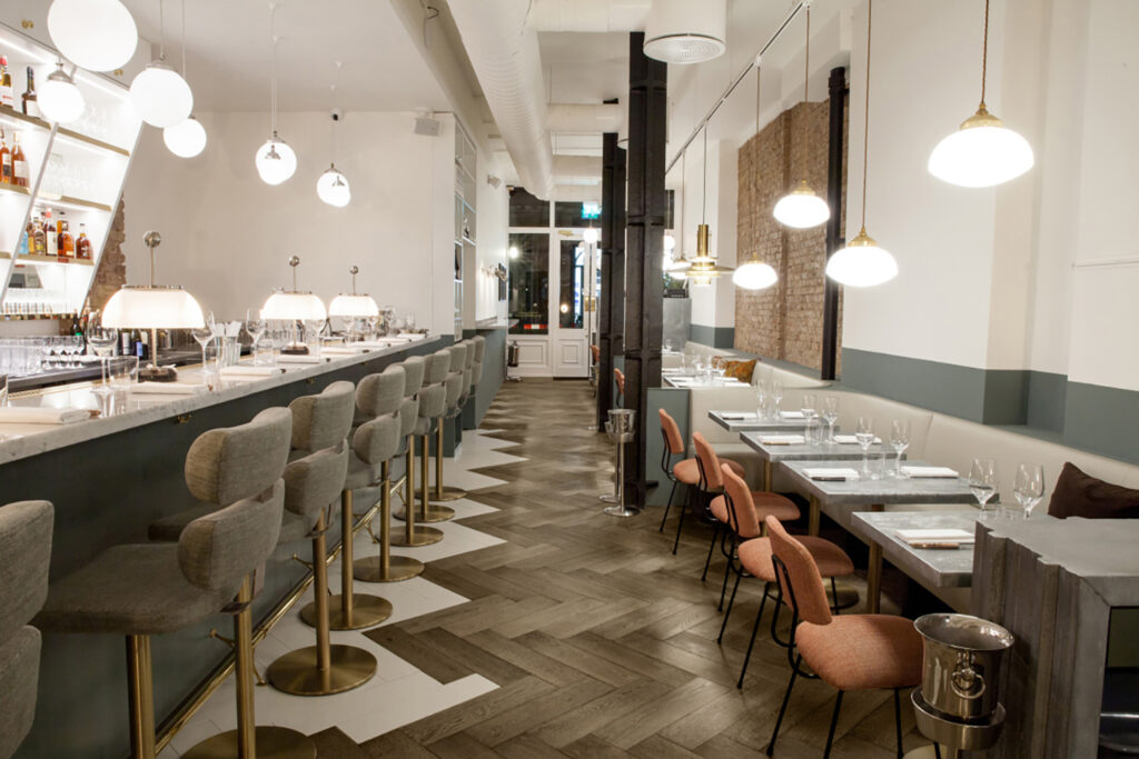 Oscarono Restaurant - Collection Classics - Finish Rocher Brun - Project Frenchie - London