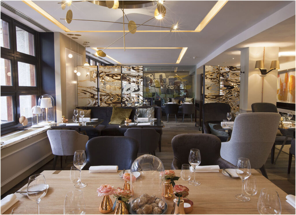 Oscarono Restaurant - Collection Classics - Finish Rocher Brun - Project The Grand Bridges - Amsterdam